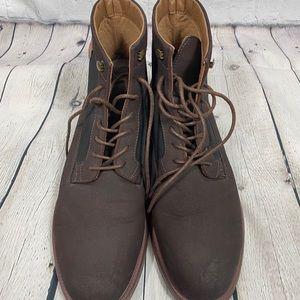 R2 Chukka style boots